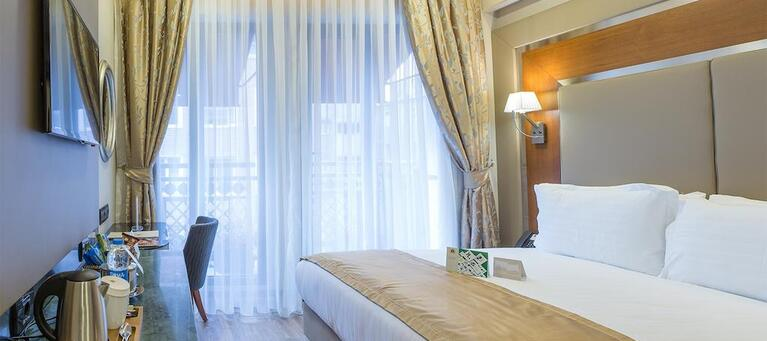 Dosso Dossi Hotels Old City 4*