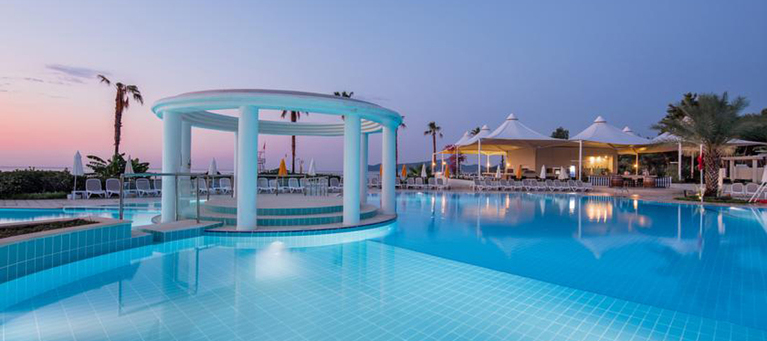 Хотел Mirage Park Resort 5*