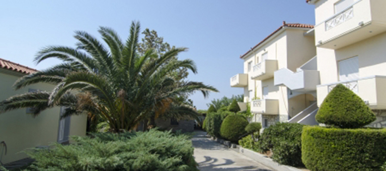 хотел Parathinalos Apartments 3*